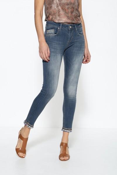 ATT JEANS Damen 5-Pocket Jeans mit offenen Saumkanten mit glitzerndem Band als Abschluss Leoni